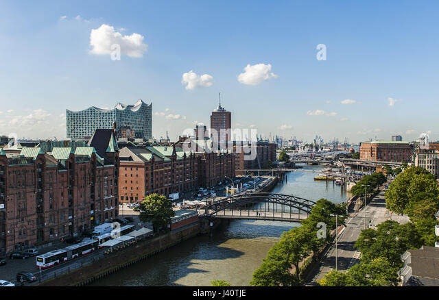 Hamburgs new Elbphilharmonie and old trading houses in Speichercity, modern architecture in Hamburg, Hamburg, north - Stock Image