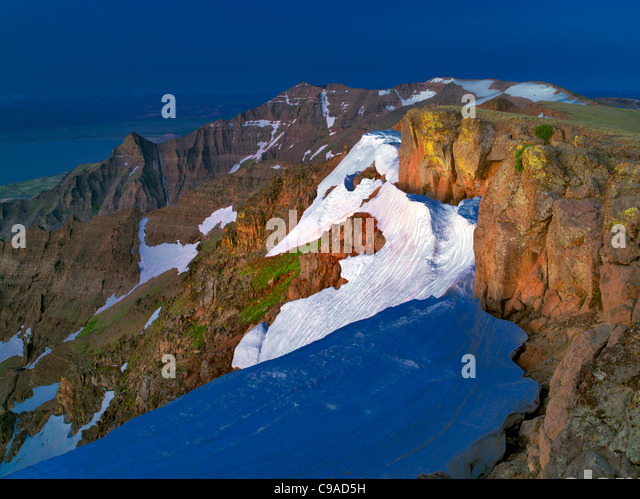 East Rim Overlook with snow bank. Steens Mountain Wilderness, Oregon - Stock Image