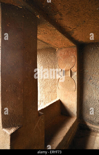 avukana buddha statue buddhist cave stock photos amp buddhist cave stock images 10068