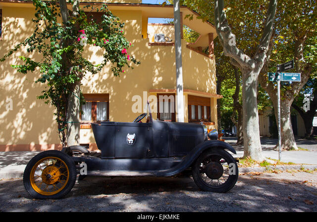 Vintage car in Colonia del Sacramento. Uruguay. - Stock-Bilder