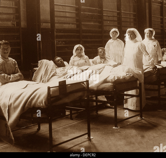 Gymnasium used as a hospital during WW1 - Stock-Bilder