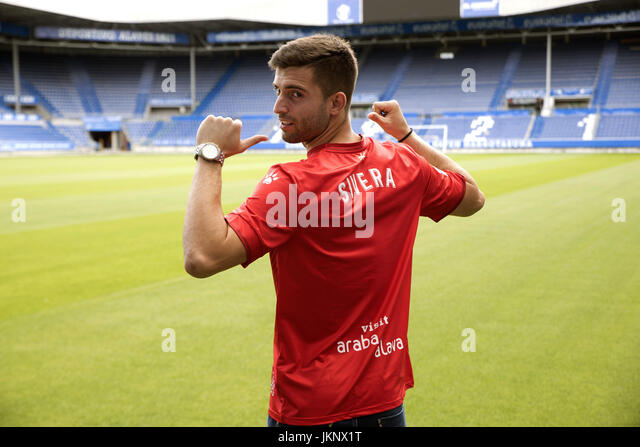 Deportivo Alaves' new goalkeeper Antonio Sivera poses during his presentation in Vitoria, Spain, 24 July 2017. - Stock Image