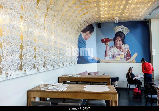 Madrid Spain Europe Spanish Centro Barrio de las Letras neighborhood Estado Puro restaurant dining business interior - Stock Image
