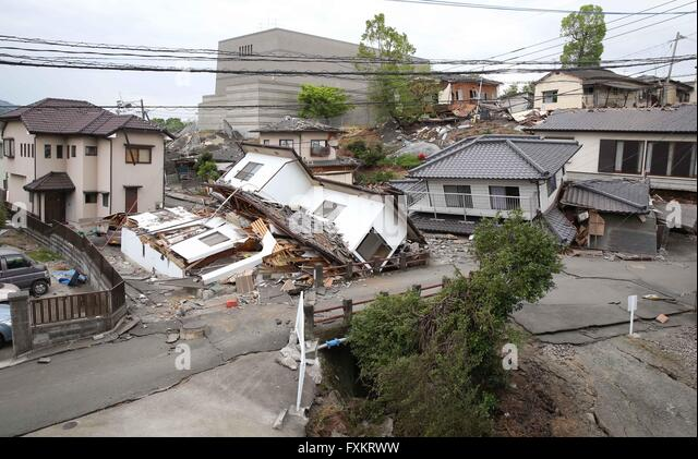 Kumamoto, Kumamoto prefecture in southwestern Japan. 16th Apr, 2016. Houses are destroyed by the earthquake in Mashiki, - Stock Image