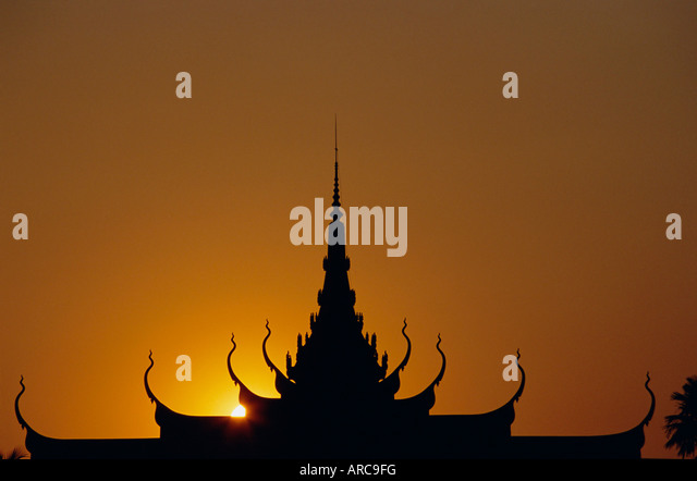 Sunset, roof of the National Museum, Phnom Penh, Cambodia, Indochina, Asia - Stock Image