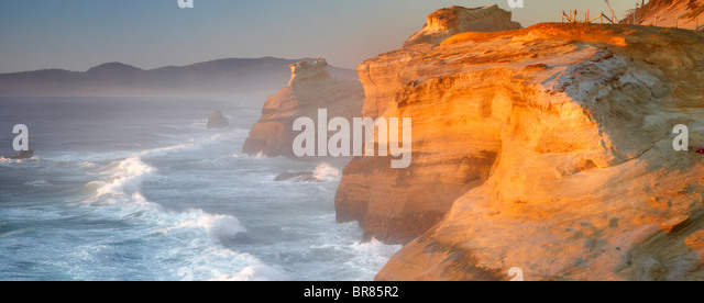 Evening light and waves at Cape Kiwanda. Oregon - Stock Image