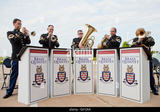 Galliano (LA) United States  city photo : The United States Army Brass Quintet playing at the River Entrance of ...