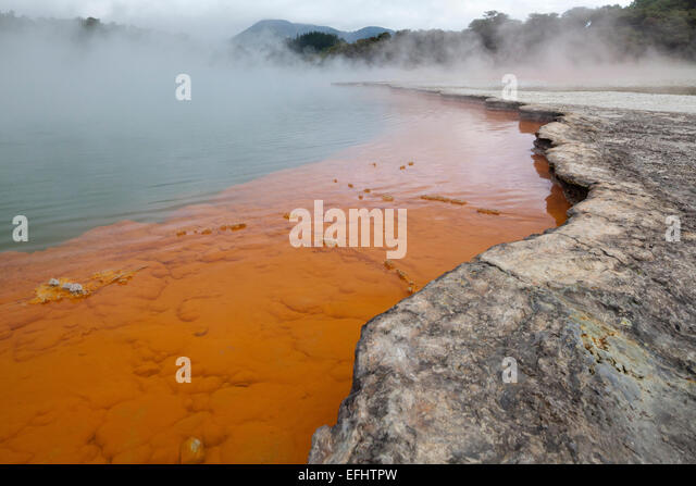 Champagne Pool, geothermal pool with carbon-dioxide bubbles, Waio-tapu crater lake, near Rotorua, North Island, - Stock Image