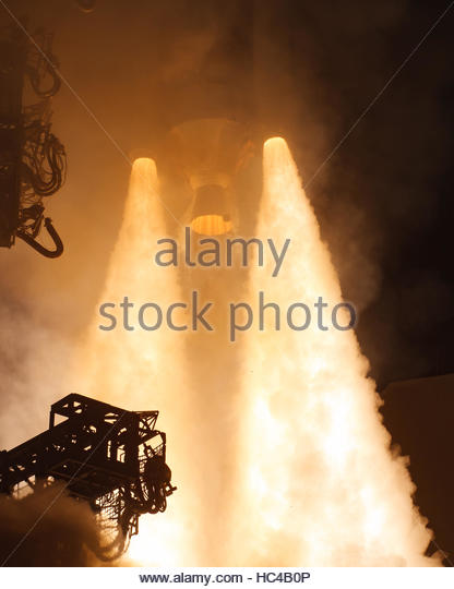 Cape Canaveral, USA. 7th Dec, 2016. The ULA Delta IV rocket is seen being launched at Cape Canaveral Air Force Station - Stock Image