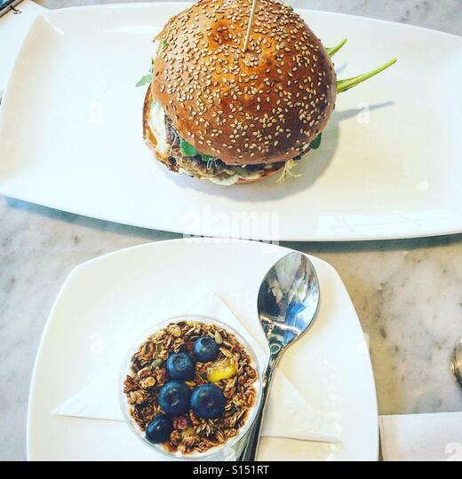 His and hers breakfast - Stock-Bilder
