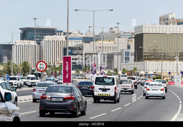 Traffic on the highways of Doha, Qatar - Stock Image