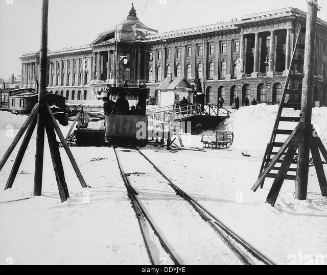 Suburban train station in fornt of the Academy of Arts, St Petersburg, Russia, c1896-c1898. - Stock-Bilder