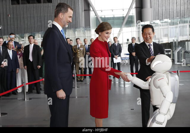 Tokyo, Japan. 5th Apr, 2017. Spanish King Felipe VI and Queen Letizia during visit to Miraikan Museum on occasion - Stock Image