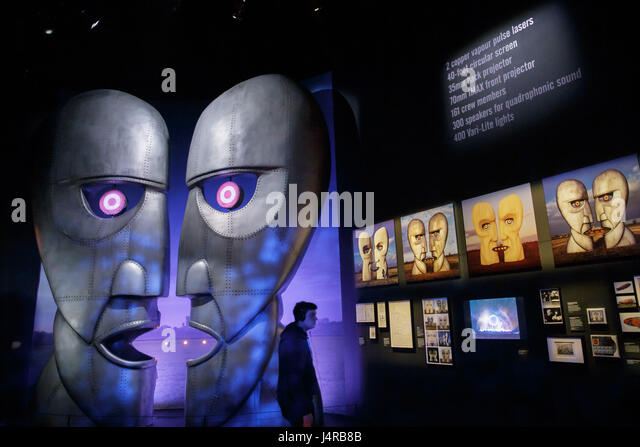 London, Britain. 9th May, 2017. A man visits the press preview of 'The Pink Floyd Exhibition: Their Mortal Remains' - Stock Image