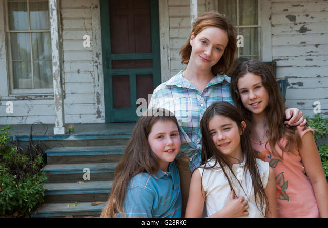 DARK PLACES (2015)  CHRISTINA HENDRICKS  GILLES PAQUET-BRENNER (DIR)  MOVIESTORE COLLECTION LTD - Stock Image