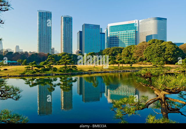 Hama Rikyu Gardens and Shiodome Skyline Tokyo Japan - Stock Image