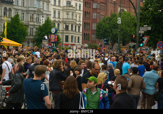 Karneval der Kulturen (Carnival of Cultures) street festival Kreuzberg Berlin Germany Europe - Stock-Bilder