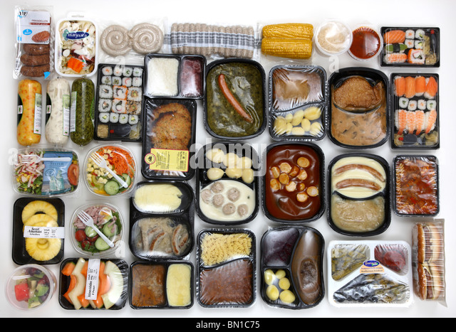 Selection of convenience food. Fresh salads, fruits, meats, soups and pasta dishes in cans, read-to-serve meals, - Stock-Bilder