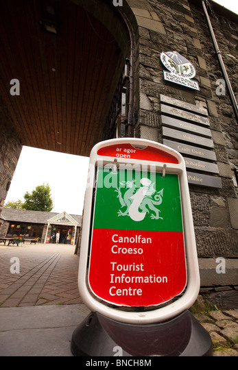 Welcome Sign Welsh Sto...