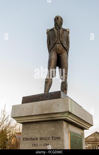 The Wolfe Tone statue in The Square, Bantry, West Cork, Ireland. - Stock Image