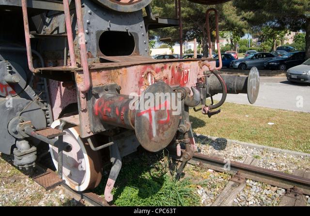 buffer buffers train trains hitting the impact absorption absorbing - Stock Image