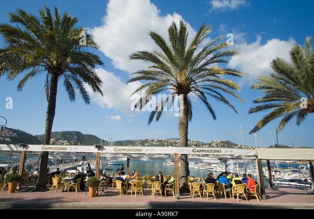 Mallorca Poirt d Andratx Cafe palm trees - Stock Image
