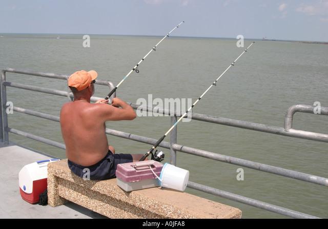 Cleveland ohio lake erie edgewater stock photos for Lake erie pier fishing