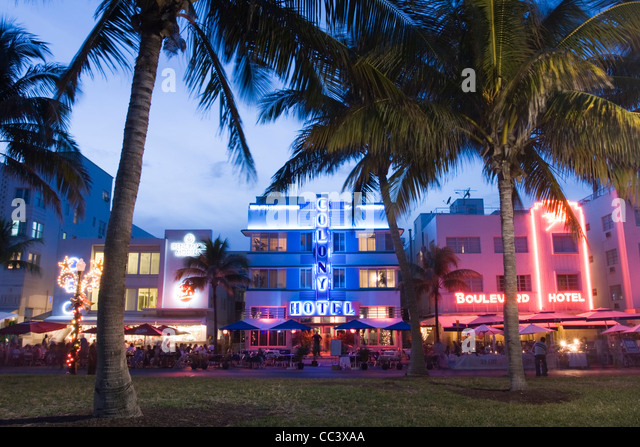 USA, Florida, Miami Beach, South Beach,  View along Ocean Drive - Stock-Bilder