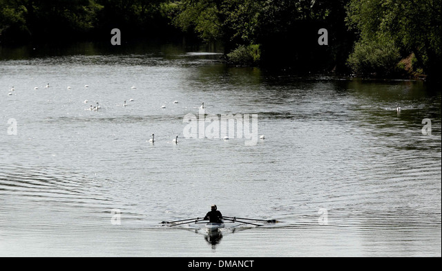 Boating on the river at Ross on Wye. Sunny weather in Herefordshire. 03.06.13 - Stock Image