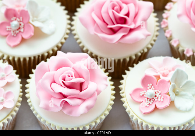 Wedding cupcakes - Stock Image