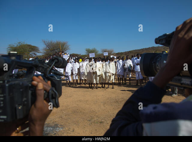 Grade age teenagers during the Gada system ceremony in Borana tribe, Oromia, Yabelo, Ethiopia - Stock-Bilder