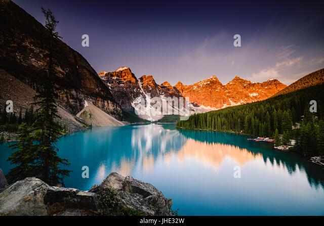 Moraine Lake at sunrise, Banff, Canada - Stock Image