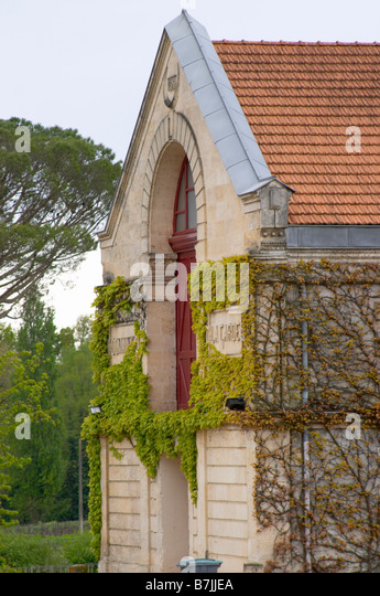 winery building chateau la garde pessac leognan graves bordeaux france - Stock Image