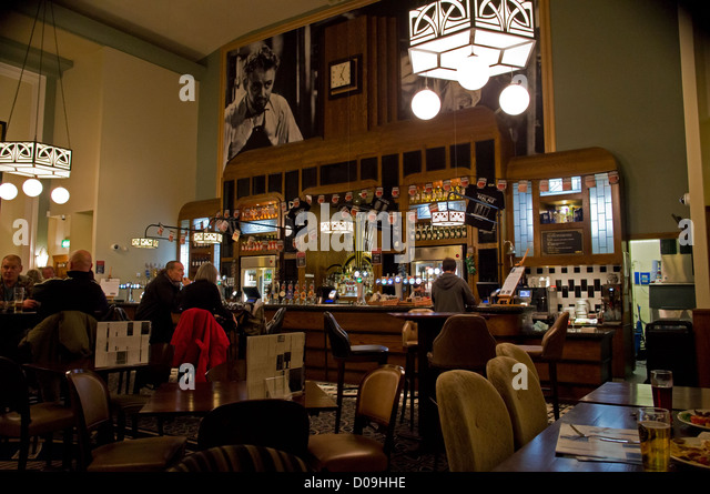 Wetherspoons Stock Photos Amp Wetherspoons Stock Images Alamy