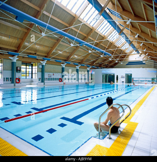 Tadley stock photos tadley stock images alamy Shepton mallet swimming pool opening times