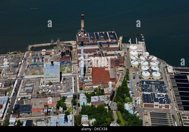 aerial photograph Brooklyn Navy Yard Cogeneration Facility, Brooklyn, New York - Stock Image