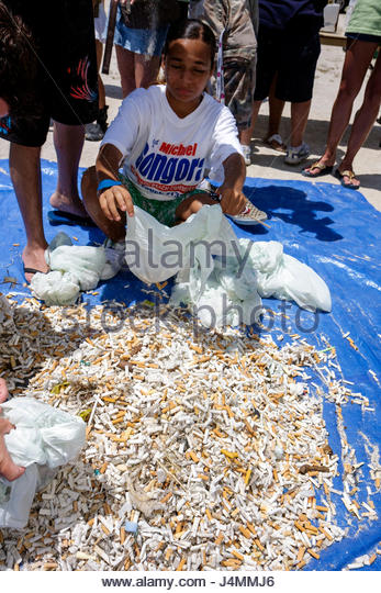 Miami Beach Florida ECOMB Big Sweep volunteer cleanup clean-up clean up litter trash pollution community event plastic - Stock Image