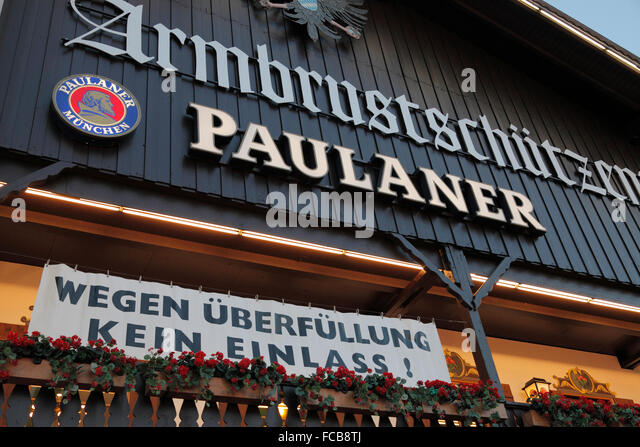 because of overfilling no admittance to the Paulaner beer tent at the Oktoberfest in Munich, Germany - Stock-Bilder