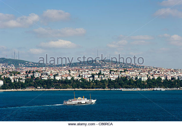 Ferry crossing over to the Asian side, Istanbul, Turkey - Stock Image