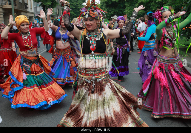 Germany Berlin Carnival of Cultures dancing women - Stock-Bilder