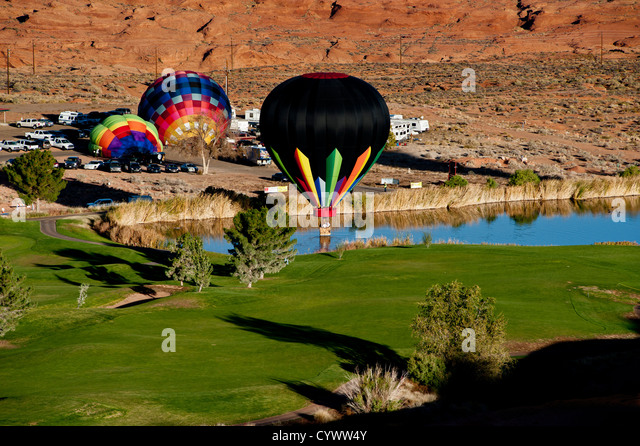 Hot air balloon over the golf course near Page, AZ - Stock Image