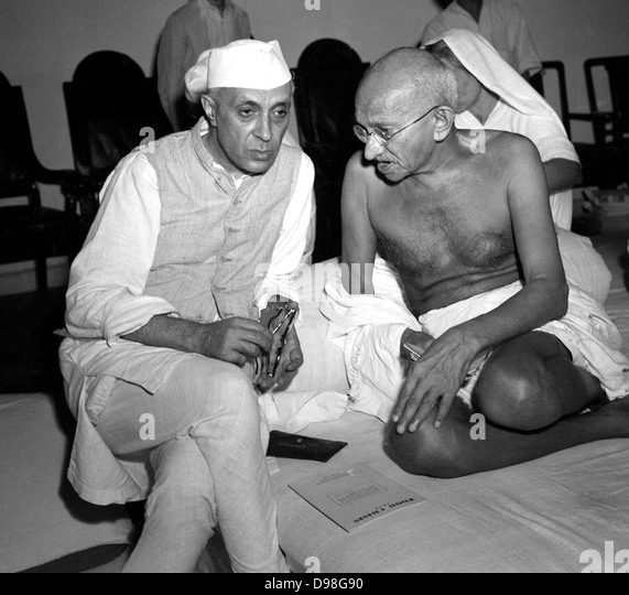 Ghandi discussing the Quit India concept with Nehru, 1942 - Stock Image