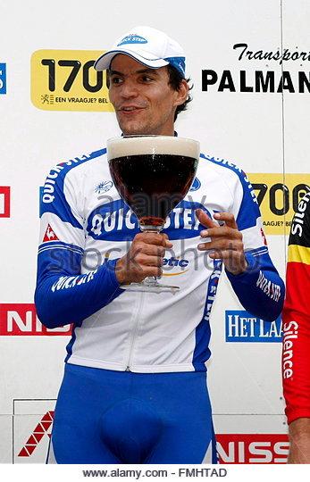 epa01476110-winner-gert-steegmans-of-quick-step-cycling-team-celebrates-fmhtad.jpg