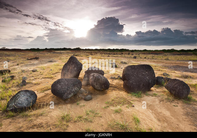 Desert landscape and volcanic boulders in Sarigua National Park, Herrera province, Republic of Panama. - Stock-Bilder