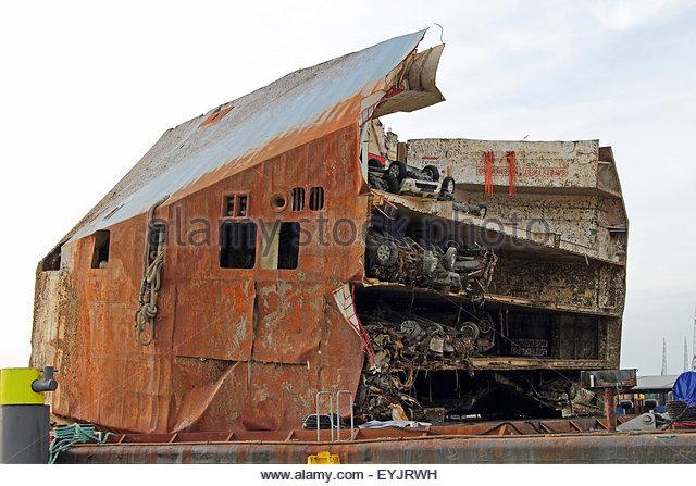 Feeder Ship Stock Photos & Feeder Ship Stock Images - Alamy