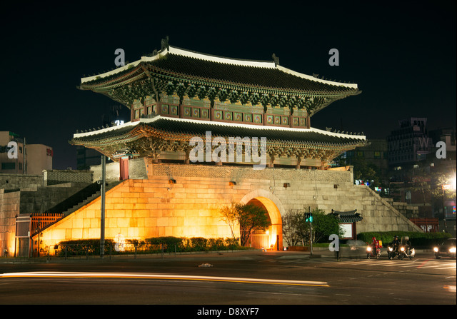 dongdaemun gate landmark in seoul south korea at night - Stock Image