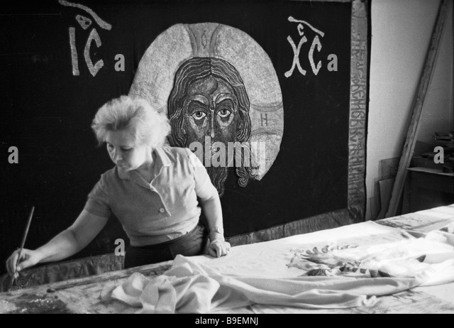 Artist for textile at work at the Mosfilm studio - Stock Image