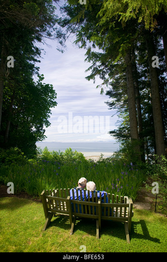 vancouver island seniors dating Victoria and vancouver island gay tourism  victoria lesbian seniors care society is to support lesbian health and social needs as we age by providing safe .