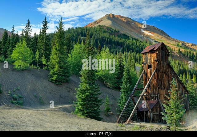 Shaft house and Red Mountain No. 3, Yankee Girl Mine, near Ouray, Colorado USA - Stock-Bilder