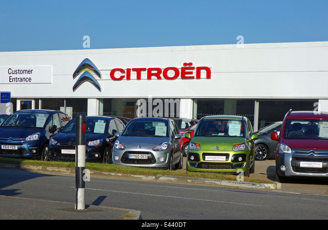 Citroen cars stock photos citroen cars stock images alamy for Garage citroen paris